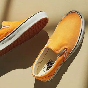 New Vans Neon Orange Slip on sneakers W 7.5 / M 6